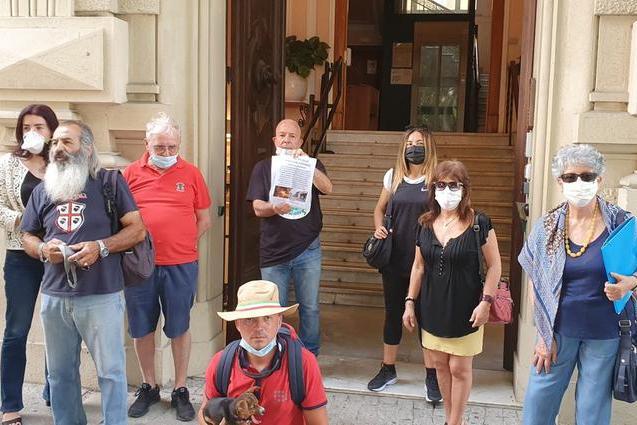 Cagliari, ambientalisti contro il rigassificatore a Portoscuso