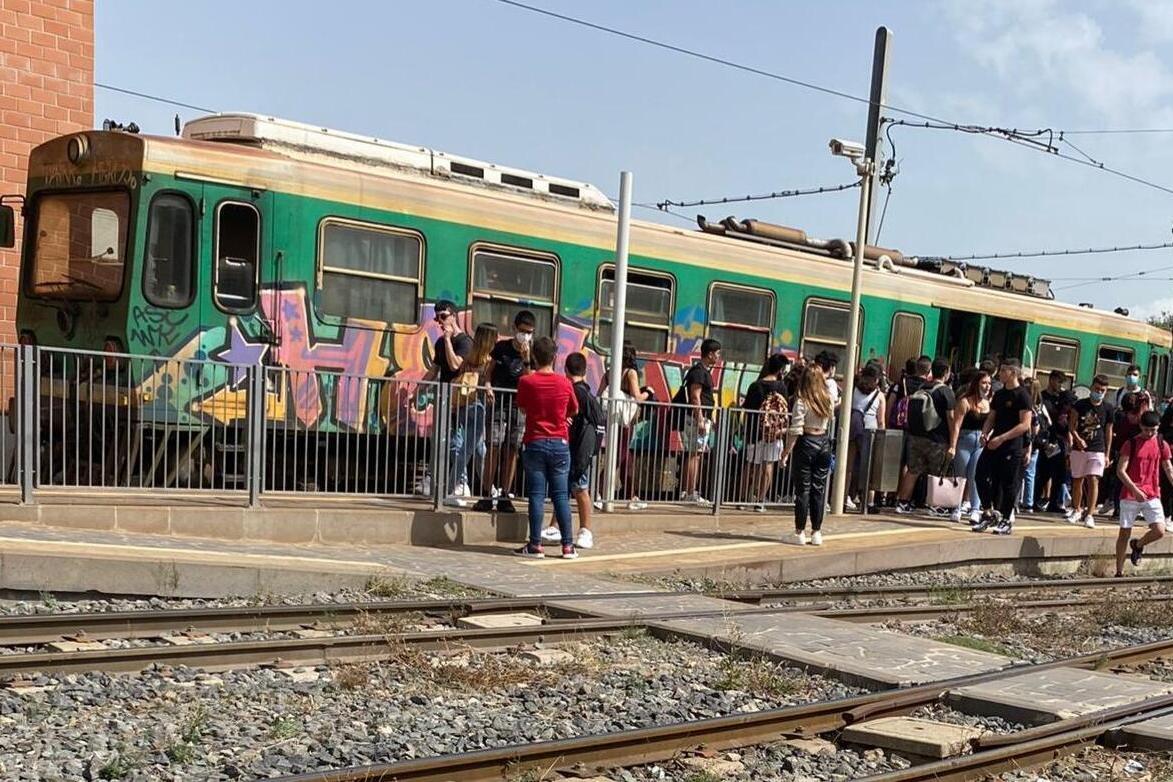 Trasporti nel caos, studenti a terra