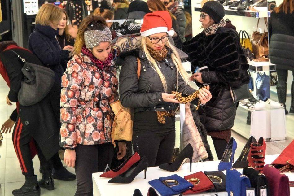 Shopping delle Feste: i sardi spenderanno 124 euro a testa