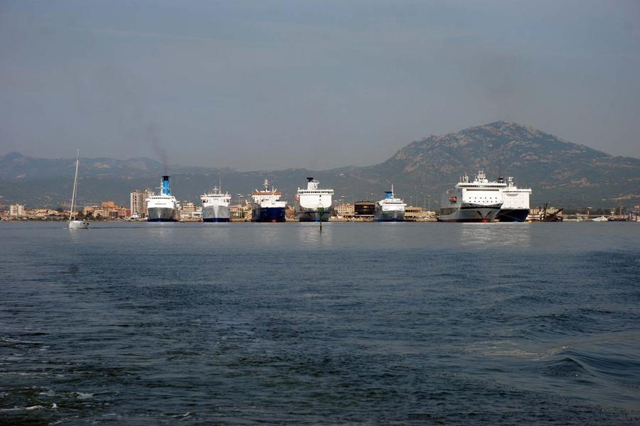 Costi dei trasporti marittimi, l'allarme delle associazioni di emigrati