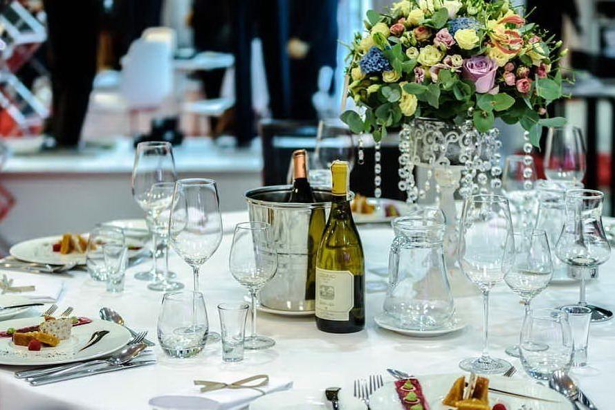 Festa di nozze al ristorante interrotta dai carabinieri