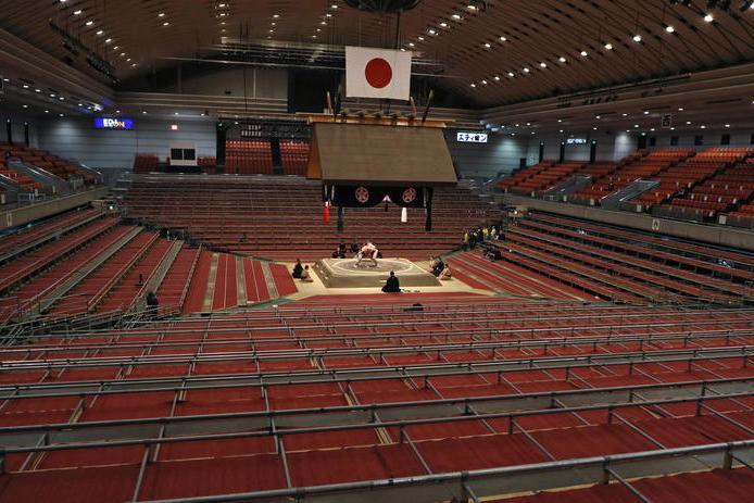 Lottatore di Sumo muore al termine di un incontro, polemiche a Tokyo