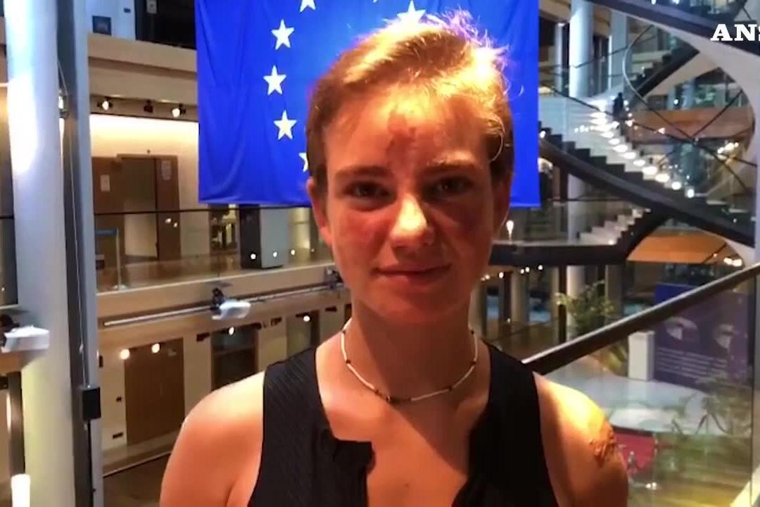 """Bebe Vio al Parlamento europeo: """"Il lungo applauso è stato bellissimo"""""""