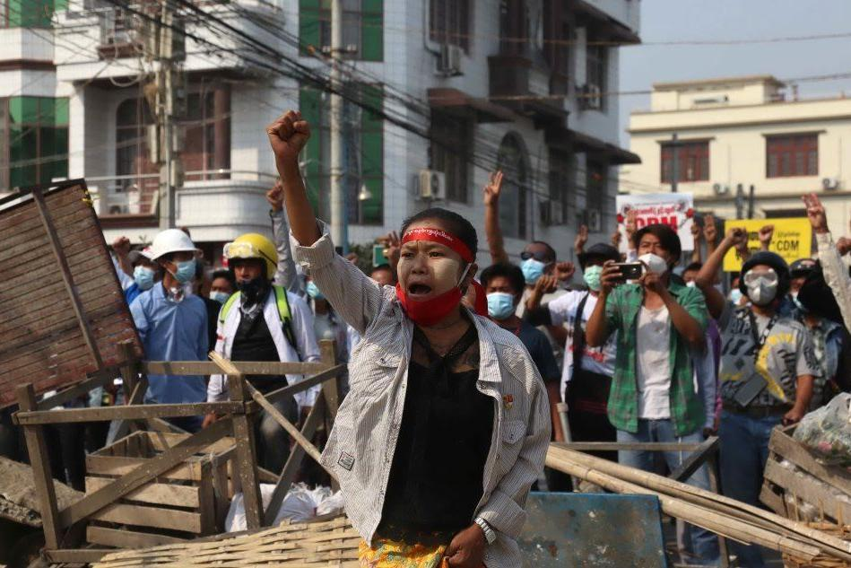 Birmania, proteste anti-golpe: uccisi sei manifestanti