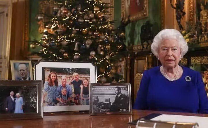 Foto di famiglia (senza Harry e Meghan)
