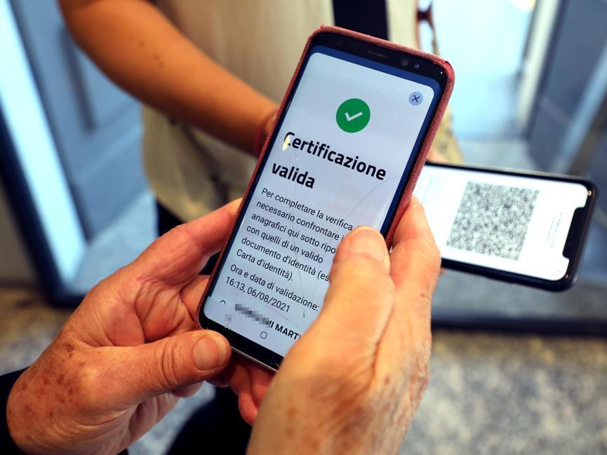 Il decreto sul Green pass in Gazzetta ufficiale, ecco cosa cambia dal 15 ottobre