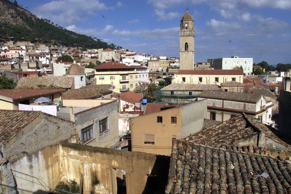 Villacidro, nove algerini si allontanano dal centro d'accoglienza: rintracciati