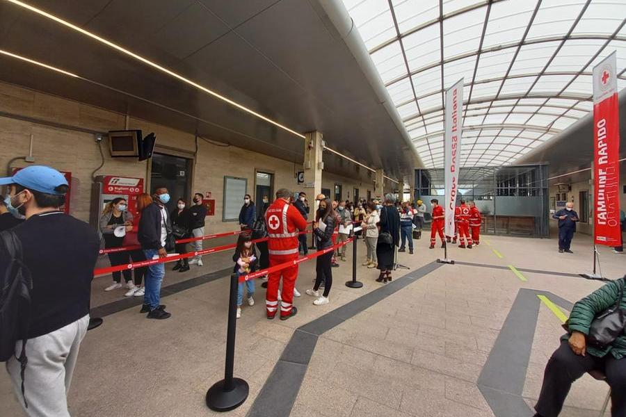 """Primo giorno di screening gratuito alla stazione di Cagliari: """"Un successo"""""""