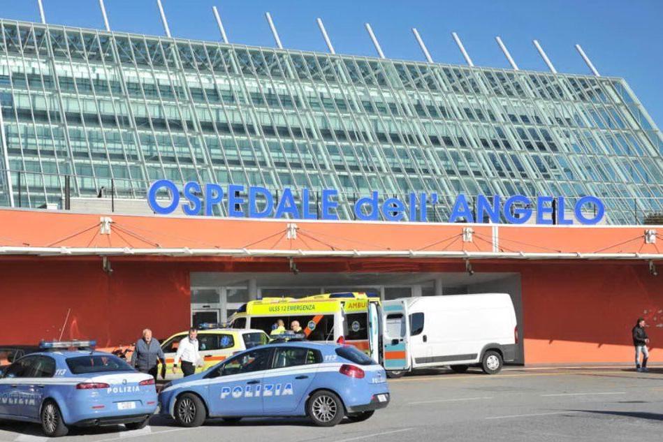 In ospedale per un trauma cranico: dimesso, viene trovato morto nel parcheggio