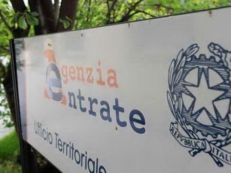 Corruzione all'Agenzia delle entrate: 12 dipendenti coinvolti