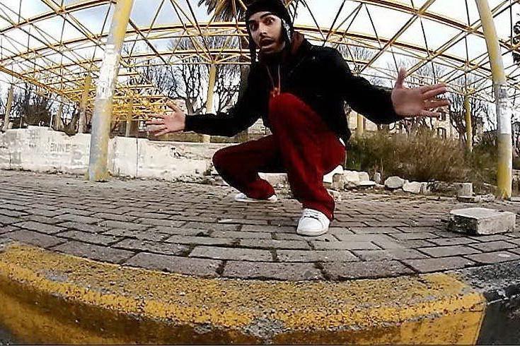 Il rapper Francesco Caddeo, in arte Infa