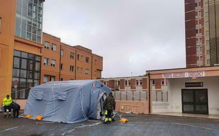 L'ospedale San Francesco (Foto Locci  - L'Unione Sarda)