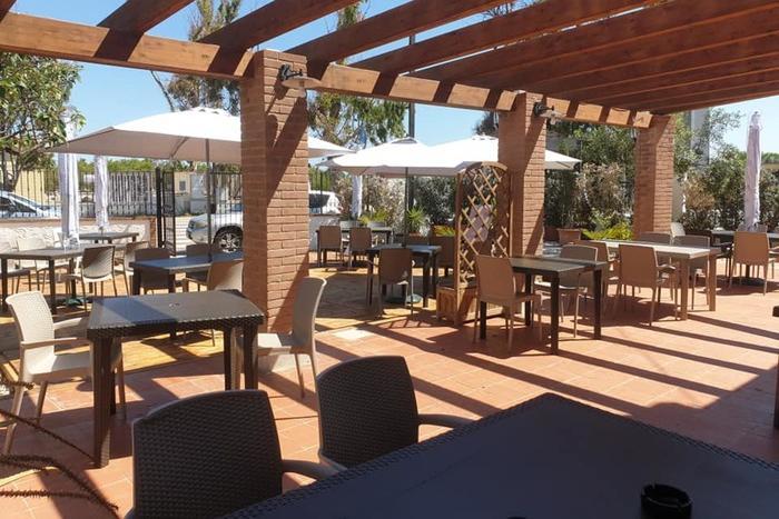 Tavolino condiviso, l'idea di un ristoratore sardoper aiutare i colleghi senza spazi all'aperto