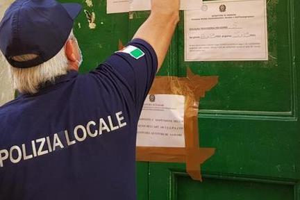 Schiamazzi, risse e degrado: chiuso un bar di Sassari