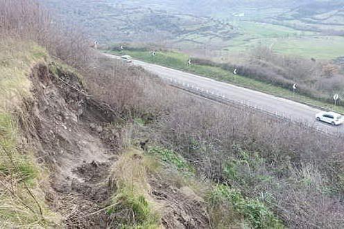 Statale 131, un'altra frana a Bonorva: traffico deviato