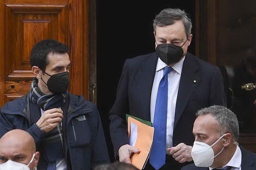 Draghi si presenta in SenatoIl Governo alla prova della fiducia