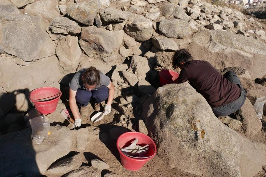 Scavi archeologici nell'area nuragica di Tanca Manna, scoperti preziosi reperti
