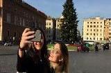 """Spezzacchio"" è già una star, turisti in coda per i selfie"