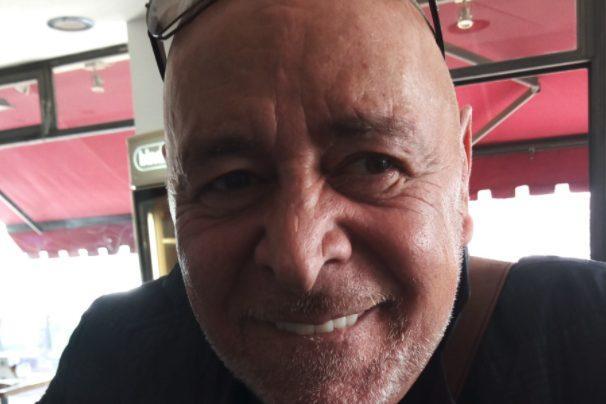 Trovato morto il regista tv Massimo Manni, tracce di sangue in casa: si indaga per omicidio