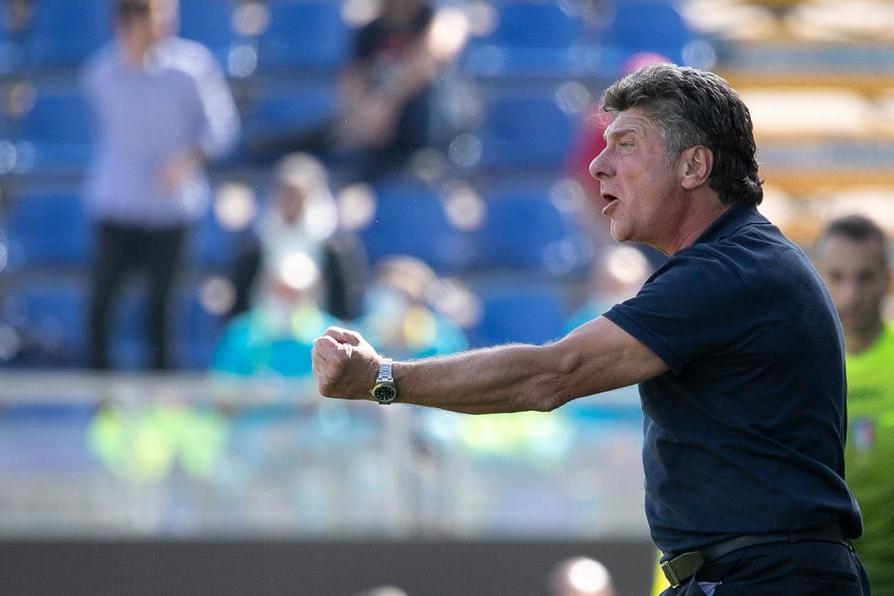 Cagliari al lavoro per la sfida di Firenze: a parte Walukiewicz, terapie per Dalbert