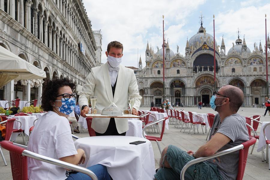 Covid, in Italia2.732 positivi e42 vittime
