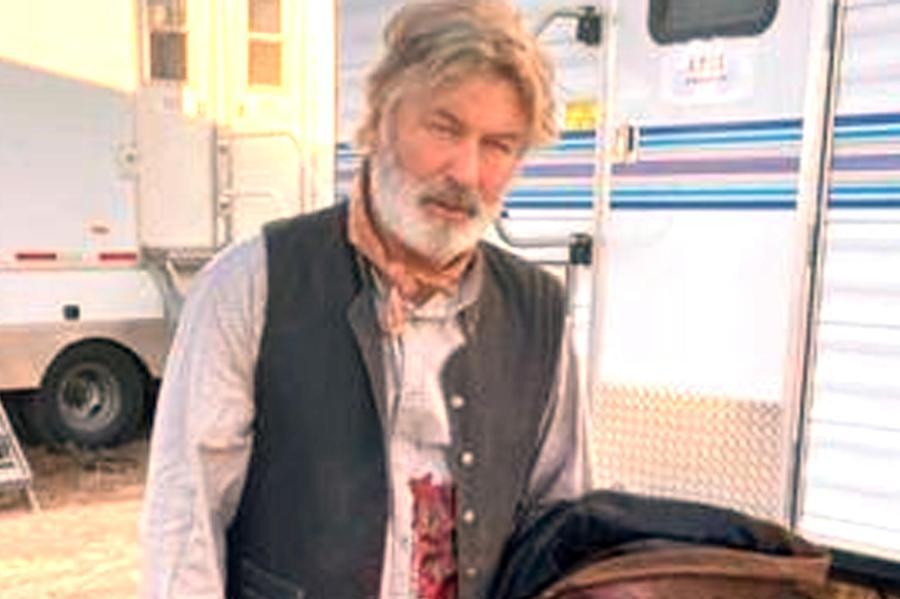 """La tragedia sul set,la Rust Movie avvia anche un'indagine interna. """"Proiettili veri"""""""