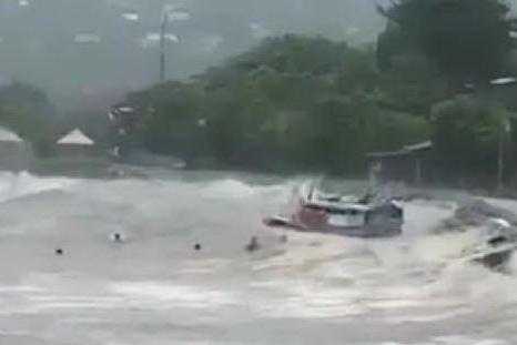 Devastante alluvione in Indonesia, decine di morti