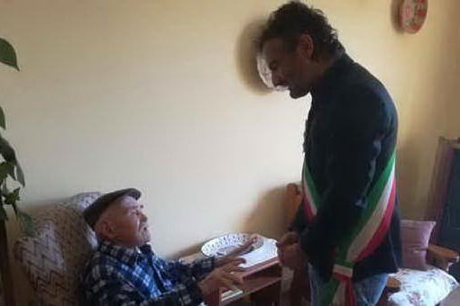 In Sardegna l'elisir di lunga vita: 468 centenari e l'uomo più vecchio d'Italia