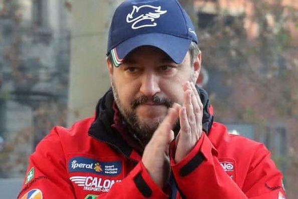 """Diciotti, Salvini: """"Negate l'autorizzazione"""". La difesa del Viminale: """"Rischio terroristi a bordo"""""""