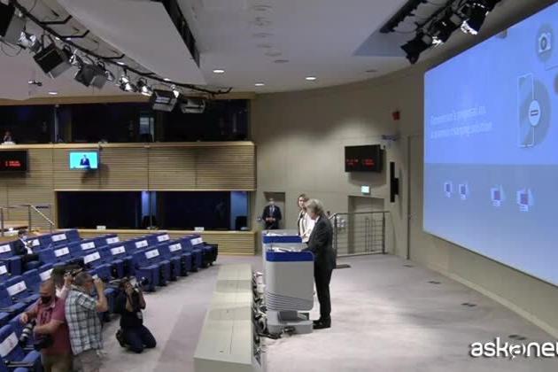 Stop rifiuti elettronici, l'Ue vuole il caricabatterie universale