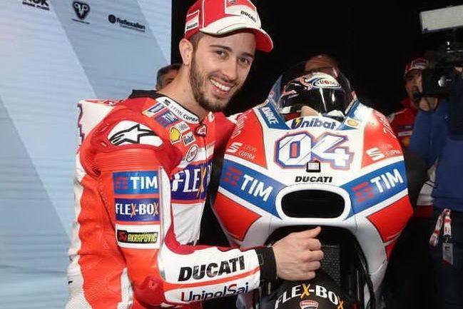 Incidente durante una gara di motocross: paura per Andrea Dovizioso