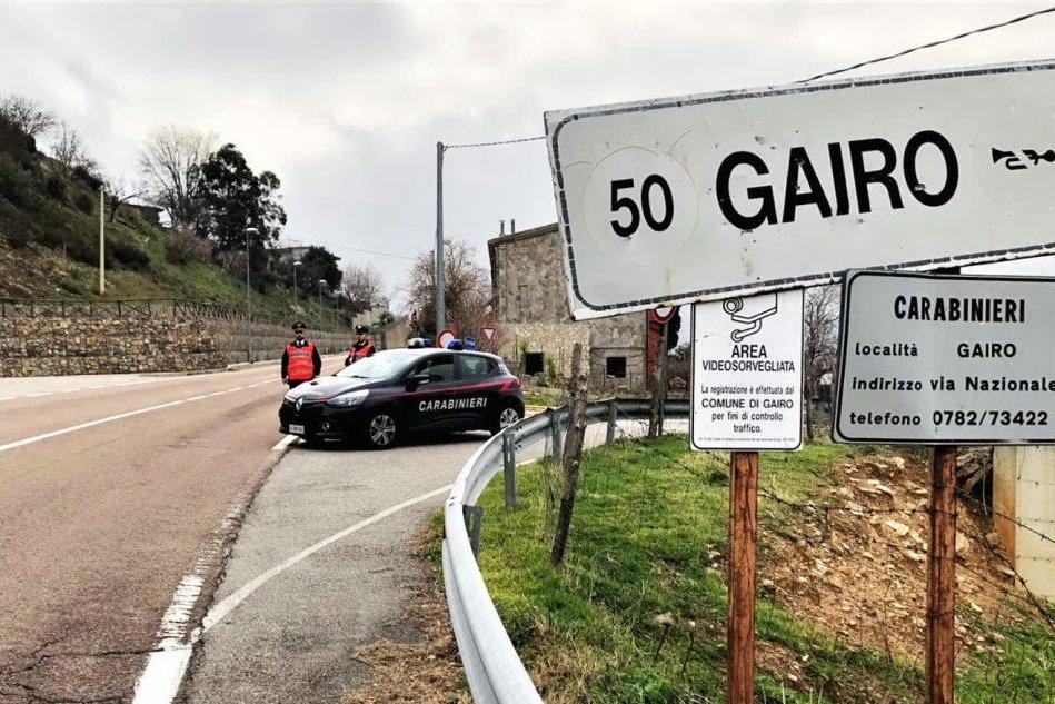 Carabinieri a Gairo (foto L'Unione Sarda - Serreli)