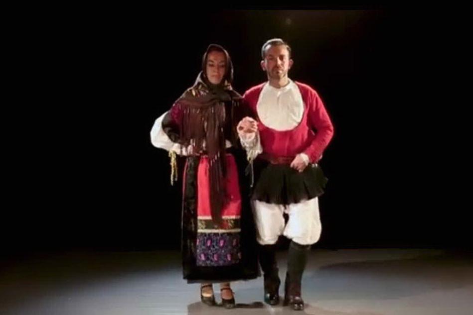Lezioni di ballo sardo alle giornate lombarde organizzate dalla Fasi