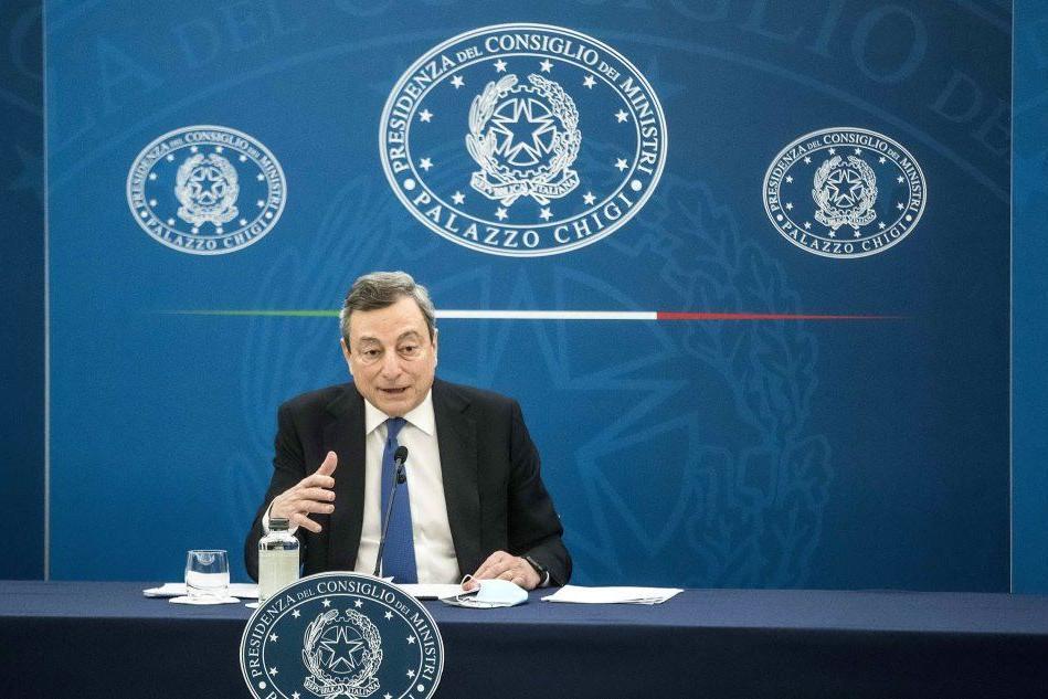 """Draghi: """"Dal 26 aprile torna la zona gialla. Ripresa per cene e sport all'aperto"""""""