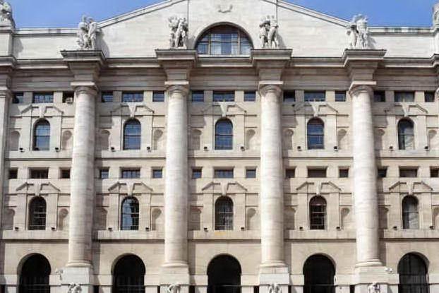 Borsa: l'Europa limita i danni, ma chiude in rosso. Milano -0,9%