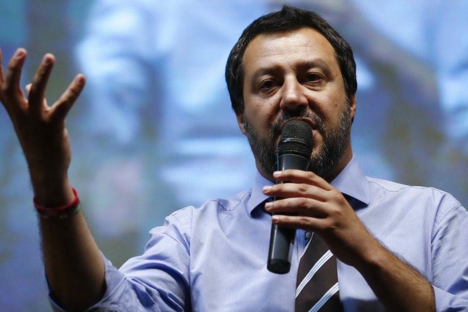 Matteo Salvini durante il comizio a Fiumicino