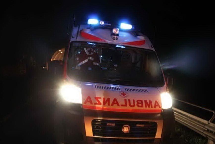 Travolta sulle strisce a Cagliari: 21enne in ospedale