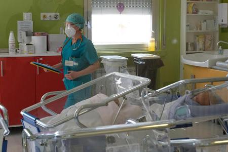 """Allarme per il virus respiratorio che colpisce i neonati: """"Diversi ricoverati, alcuni in terapia intensiva"""""""