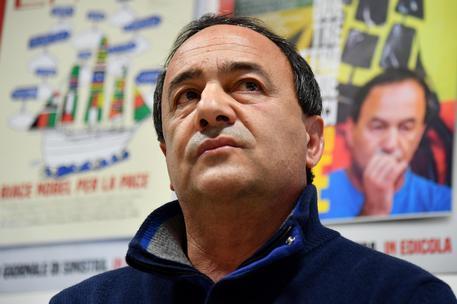 """""""Lucano, condanna eccessiva: 'Voleva solo aiutare i migranti'"""""""
