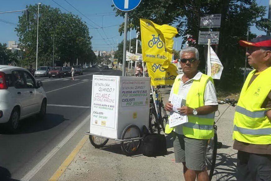 """Cagliari, """"vogliamo le piste ciclabili in viale Marconi"""": la petizione delle associazioni"""