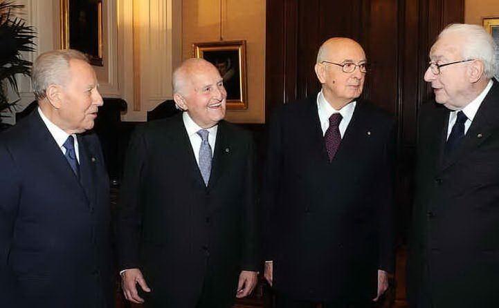 Con i presidenti della Repubblica Carlo Azeglio Ciampi, Giorgio Napolitano e Francesco Cossiga (archivio L'Unione Sarda)