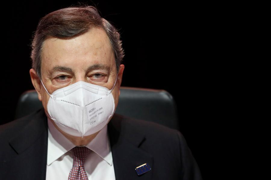 """Draghi al vertice Ue: """"Accelerare con i vaccini, aumentando la produzione"""""""