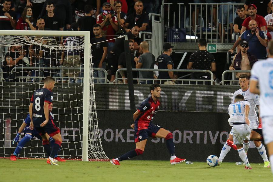 Il Cagliari ancora ko: la sfida contro l'Empoli finisce 0-2