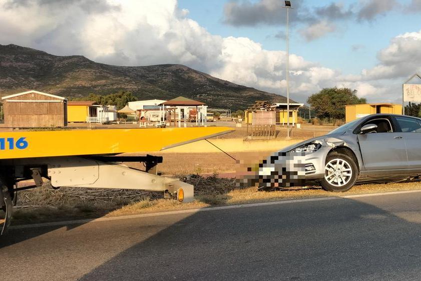 Incidente sulla statale 126, coinvolte due auto