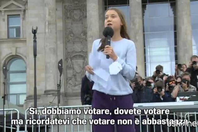 """Fridays for Future, Greta Thunberg: """"Nessun partito fa abbastanza"""""""