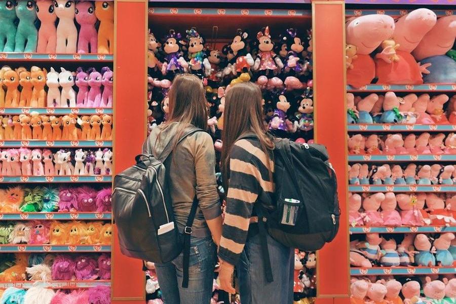 """California, nei negozi di giocattoli sarà obbligatorio avere una sezione """"no gender"""""""