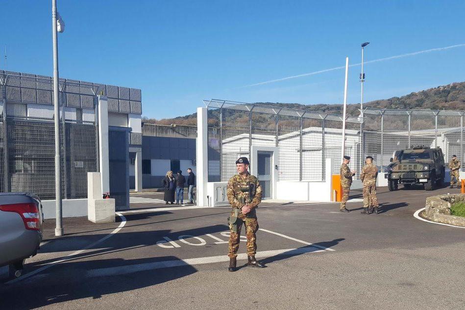 Migranti: bando da 2 milioni di euro per la gestione dei servizi al Cpr di Macomer
