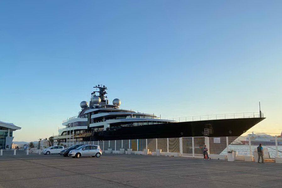 Il superyacht Crescent torna a Cagliari