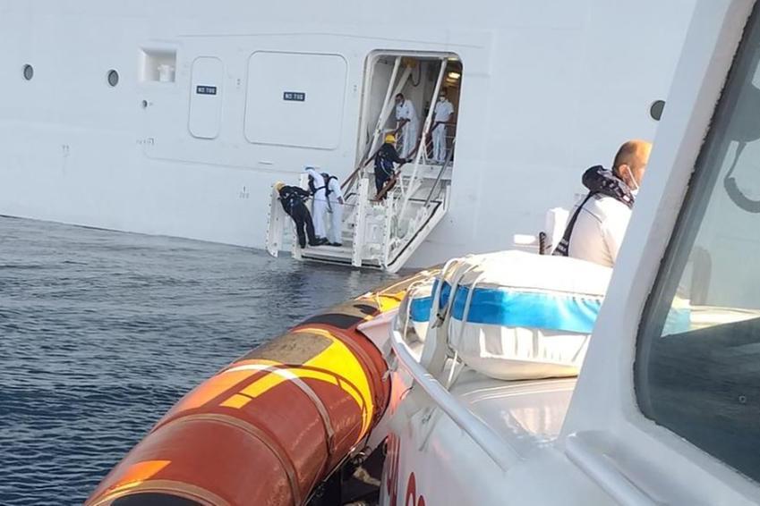 Malore sulla nave da crociera: soccorsi in mare a Porto Torres