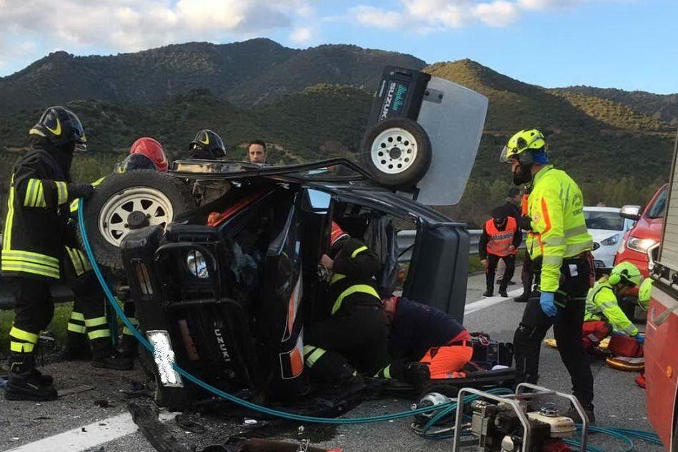 Spaventoso incidente sulla 125: tre persone ferite